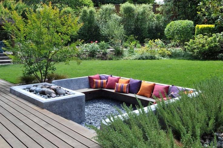 Мягкие подушки для создания уюта в уголке отдыха