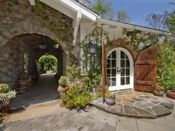 Пристройка к дому - обязательный атрибут стиля прованс
