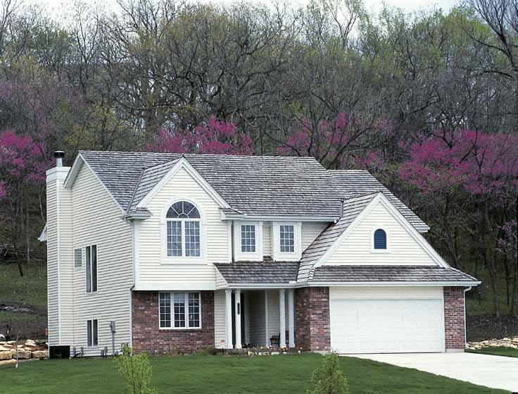 Крыша дома в стиле прованс должна быть под черепицей или стилизорована под нее