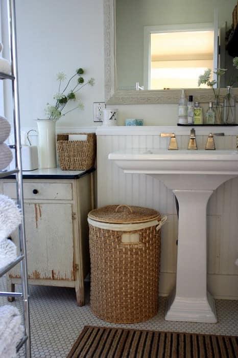 Корзины для белья для хранения и порядка в ванной