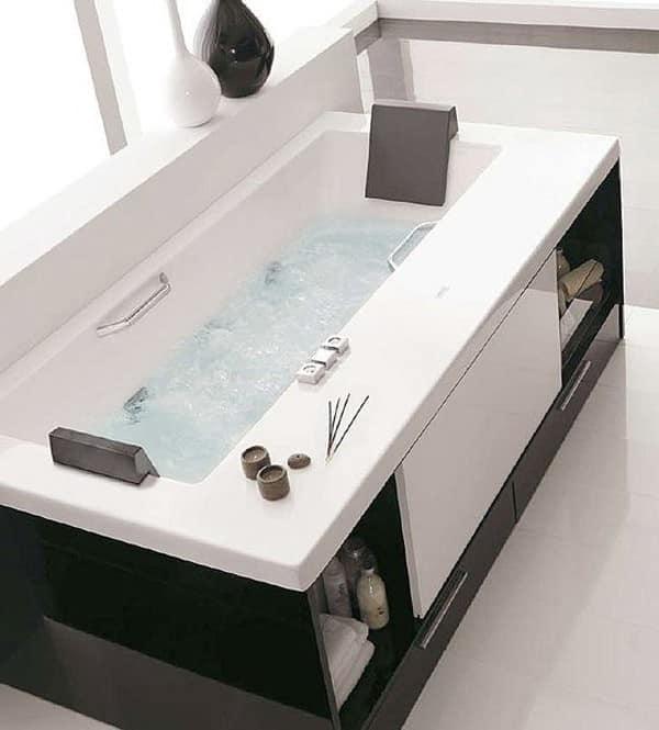 Используем с толком пространство под ванной