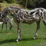 Скульптуры из корней и коряг
