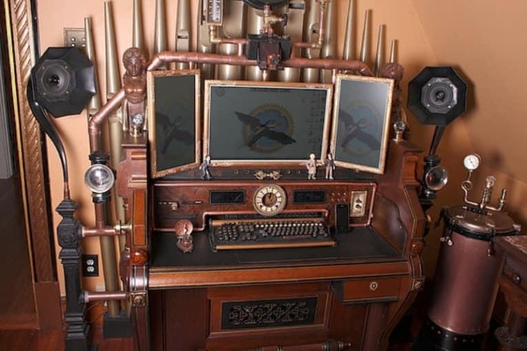 А так выглядит современный компьютер в  доме стимпанк