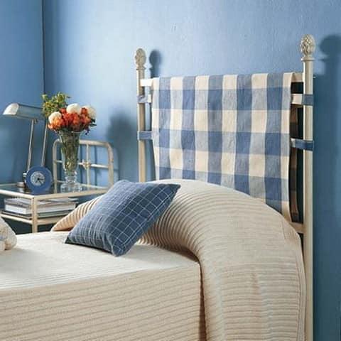 Декор спинки кровати с помощью ткани