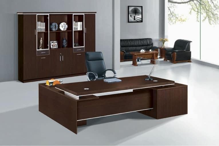 В кабинете в стиле минимализма и работается и думается легко