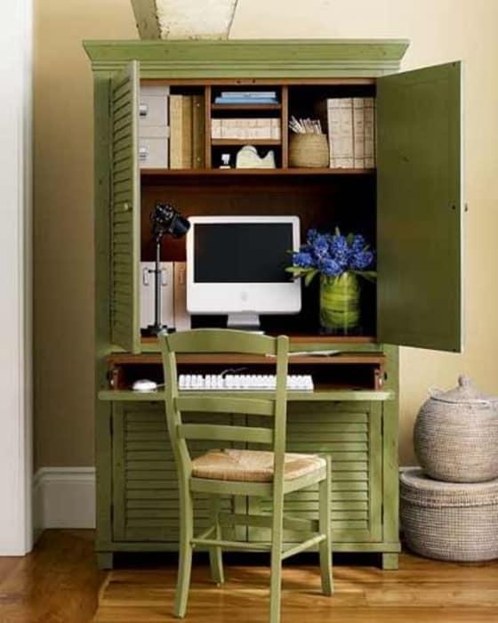 Стол-шкаф для компактного домашнего кабинета