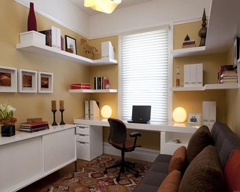 Рабочий стол для большого домашнего кабинета