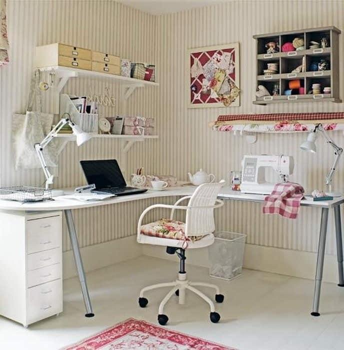 Стол для домашней мастерской дизайнера украшений