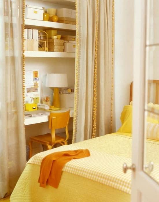 """Стол для """"домашнего кабинета"""" в спальне"""