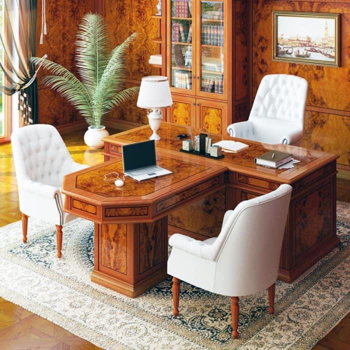 Рабосий стол для классического домашнего кабинета