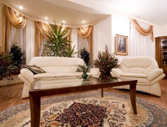 В гостиной сухоцветы как правило находятся на видном месте