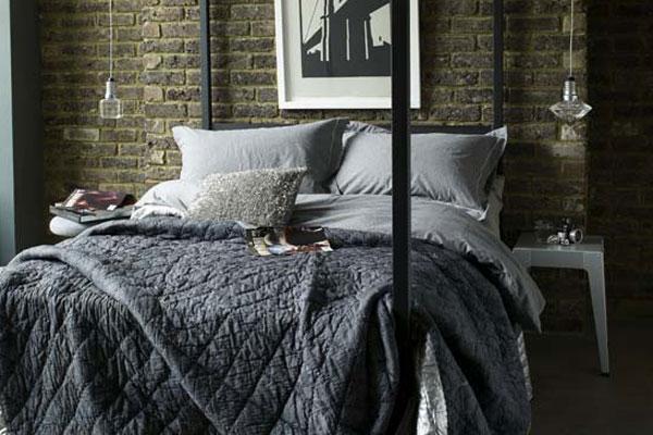 Даже спальня может быть оформлена в индустриальном стиле