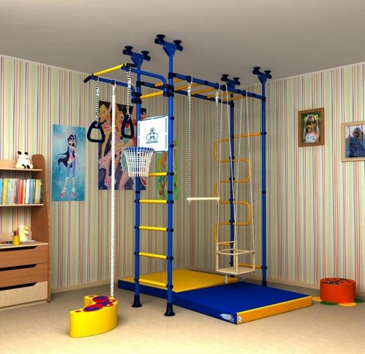 Металлический детский спортивный комплекс яркий и интересный