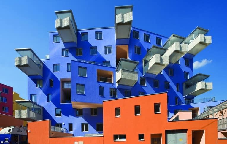 Каким может быть балкон: виды балконов с фото