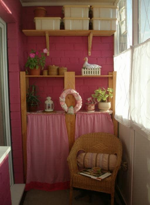 Встроенная мебель, чаще всего, заказывается по требованиям заказчика