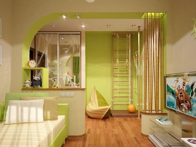 Деревянный спортивный детский уголок превосходно гармонирует с интерьером комнаты в эко-стиле