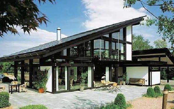 Современные дома мало похожи на своих средневековых собратьев, однако построены по одинаковой технологии