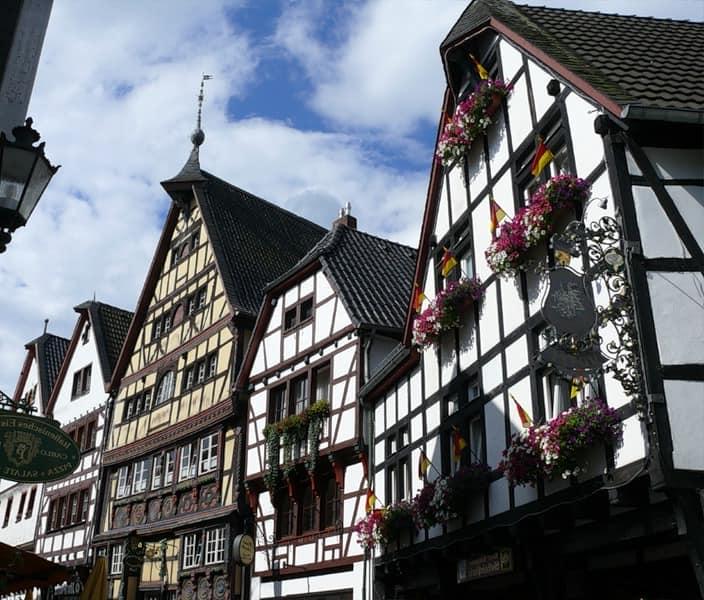 Типичные для Германии и Франции средневековые каркасные дома