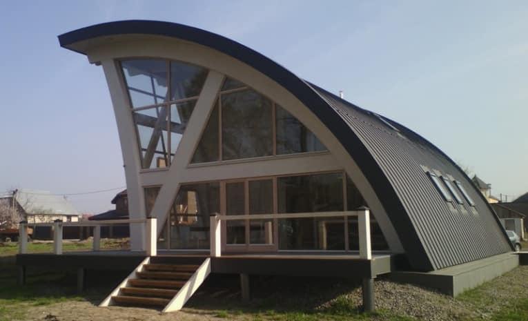 Особенности технологии фахверк позволяют создавать дома различного дизайна