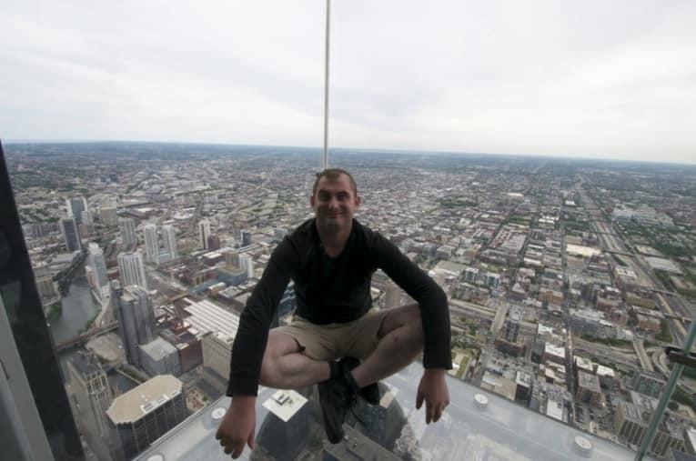 Наверное интересно посидеть вот так на 103 этаже