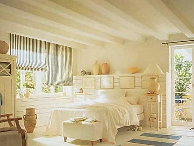 Вариант отделки потолка в стиле прованс