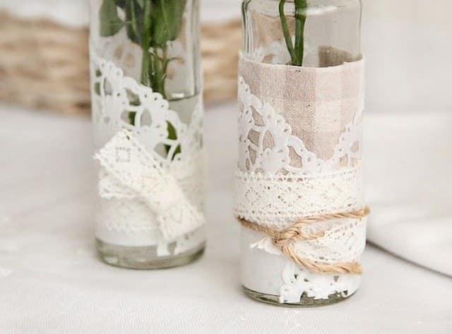 Оригинальные вазы с использованием ткани и кружева