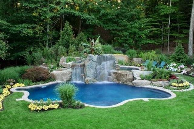 Форма бассейна определяется исходя из  вида грунта
