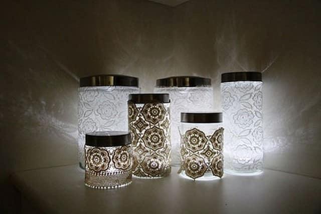 Декорированные банки можно использовать в качестве емкостей для хранения
