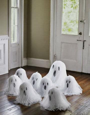 Привидения из марли для Хэллоуина