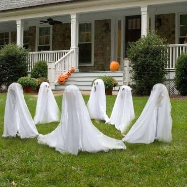 Хоровод из привидений - украшаем сад к Хэлоуину
