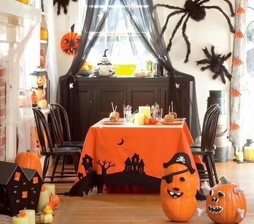 Еще идеи для украшения гостиной и стола для Хэллоуина