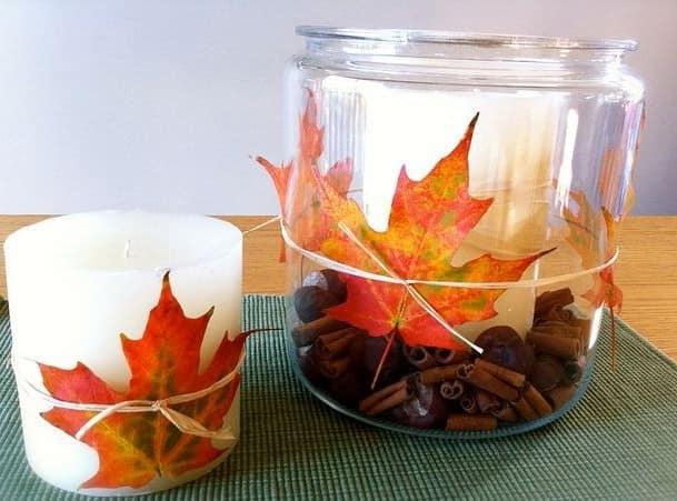 Украшаем листьями свечи и подсвечники