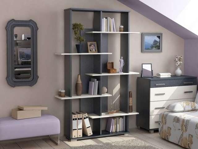 Книжный стеллаж для хранения вещей