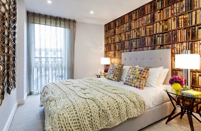 Вязанные аксессуары в интерьере спальни