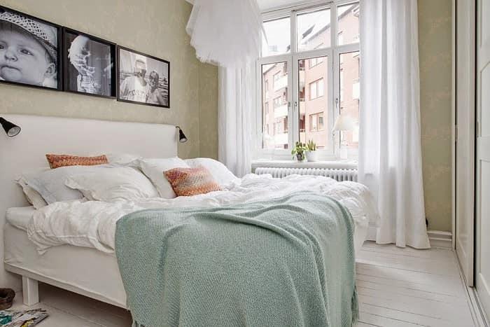 Постельное белье светлых оттенков в интерьере спальни