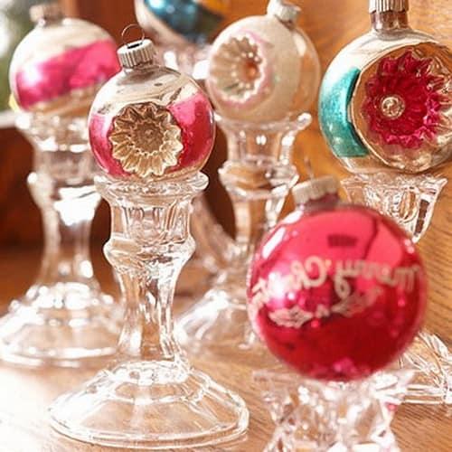 Елочные игрушки в новогоднем декоре дома