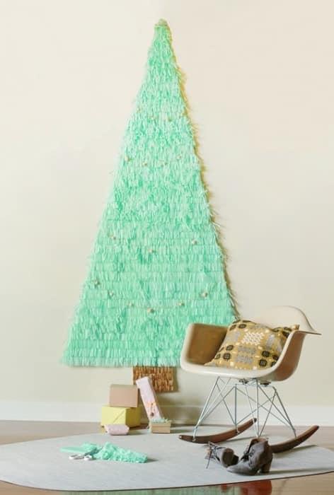 Плоская бумажная елка на стену