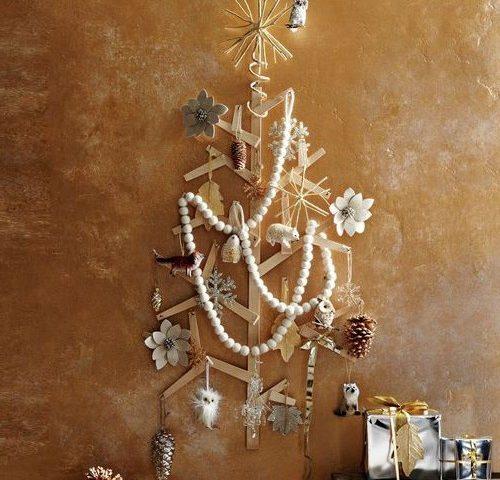 Плоская деревянная елка на стену