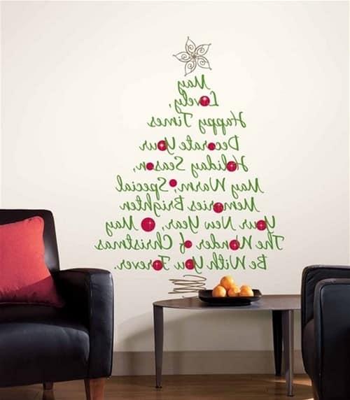 Наклейка на стену в виде новогодней елки