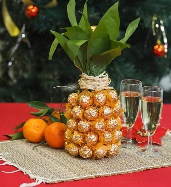 Готовый ананас из бутылки шампанского