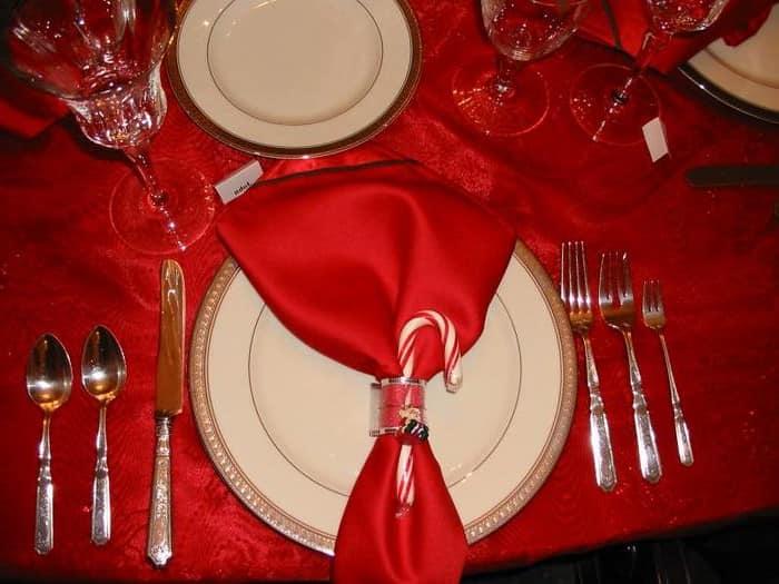 Салфетка для украшения новогоднего стола