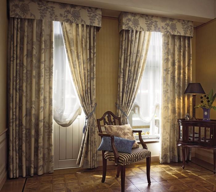 Шторы для гостиной из натуральной ткани
