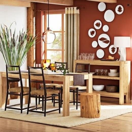 Контраст сочетание декоративных тарелок с цветом стены
