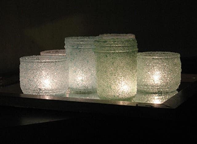 Подсвечники из стеклянных банок декорированные морской солью