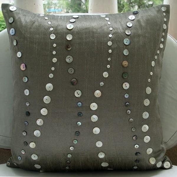 Декоративная подушка к 8 марта