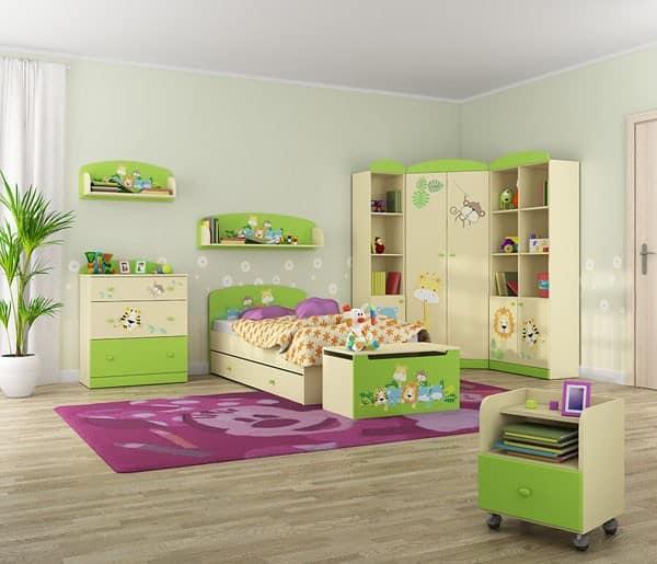 Шкаф и комод в детской комнате