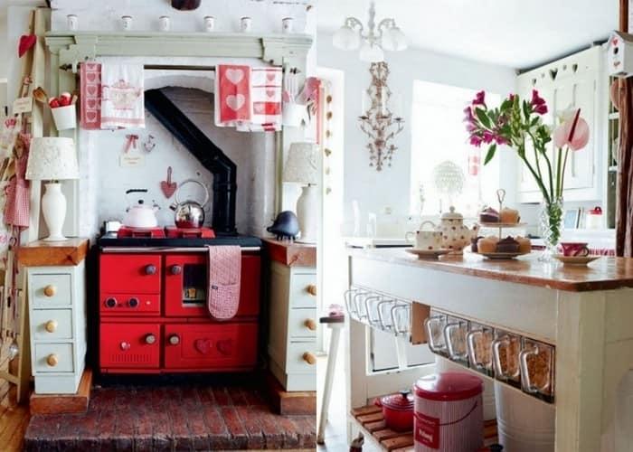 Летняя кухня на дачной веранде