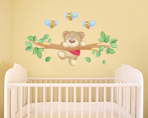 Наклейки на стене детской комнаты