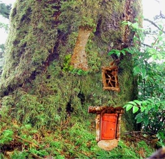 Домик для фей на садово дереве