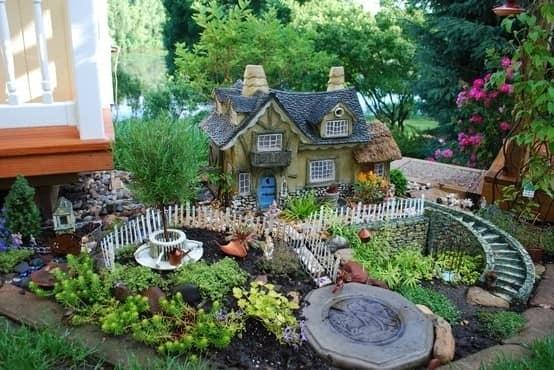 Домик для гномов своими руками в саду
